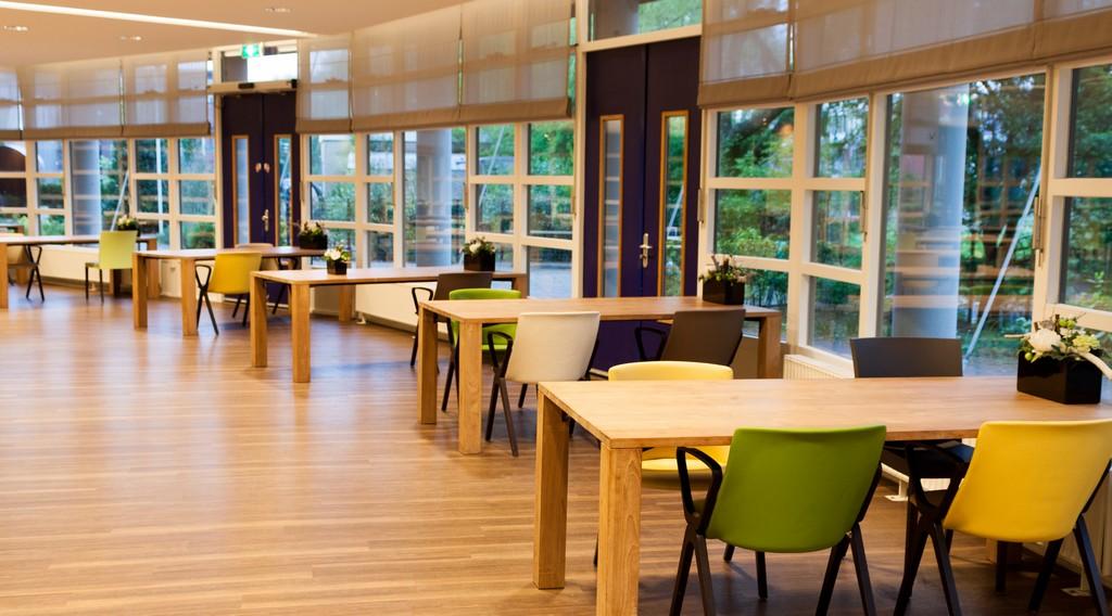 Woonzorgcentra Haaglanden – Design Meubelbouw 2000 – Zorg Interieurbouw (1)